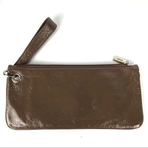 hobo / Patent Leather Wristlet Clutch Brown Gray